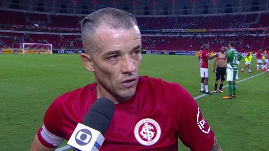 """D'Alessandro diz que teve sorte no gol de falta: """"Uma hora tem que virar"""""""