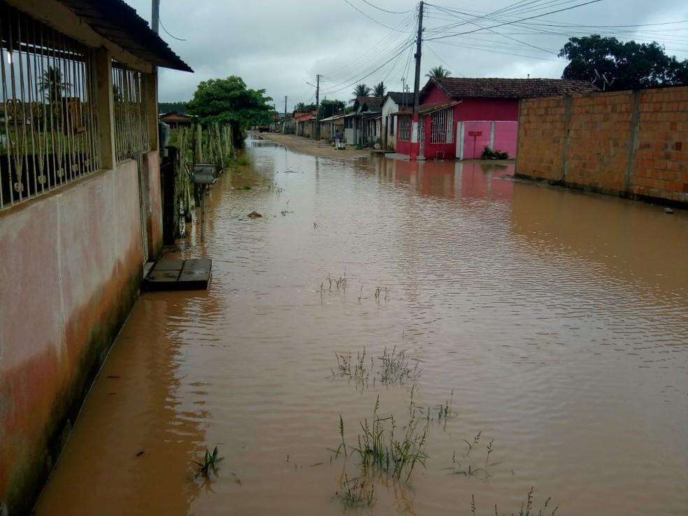Chuva causou alagamento em Itabela, no sul da Bahia — Foto: Redes Sociais