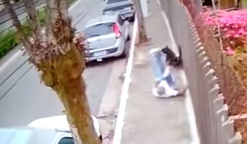 Cearense morre após bater a cabeça no chão depois de sido atropelado por cães em São Paulo — Foto: Reprodução