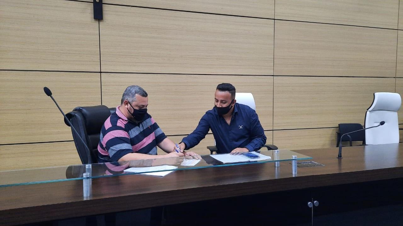 Comissão Processante começa a analisar pedido de impeachment do prefeito de Guarujá, SP