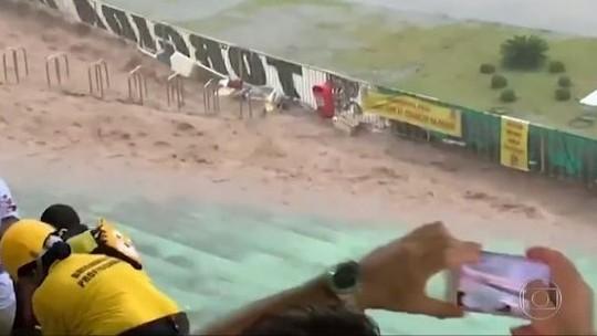 Cachoeira em estádio e vitórias de Vasco e Corinthians nos Gols do Fantástico