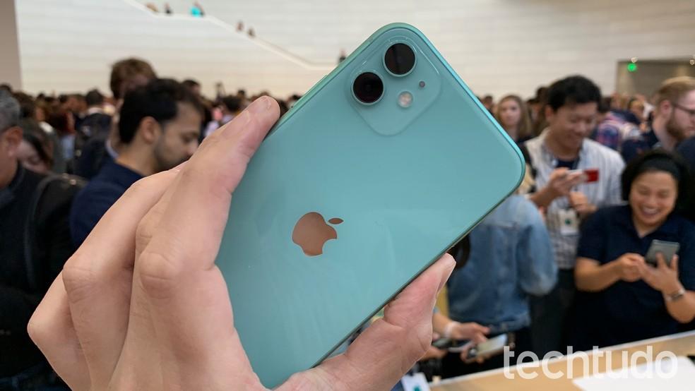 iPhone 11 foi o primeiro celular a apresentar UWB — Foto: Thássius Veloso/TechTudo