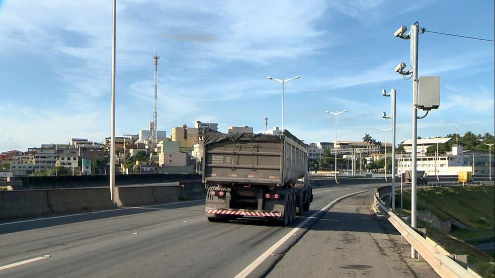 Radar na BR-101, no Espírito Santo — Foto: Ari Melo/TV Gazeta
