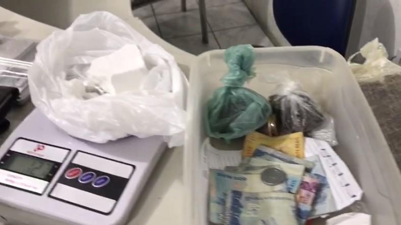 Dois homens são detidos com cocaína e maconha no Vergel do Lago, em Maceió - Noticias