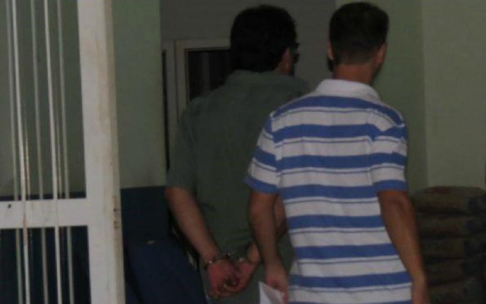 Ex-namorado de Sandra Godoy ficou preso por ser principal suspeito de desaparecimento da jovem (Foto: Clodoeste Kassu/Água Boa News)