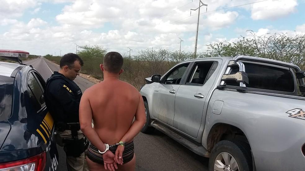 Alcoolizado, motorista foi preso pela PRF após fugir de local de acidente no RN — Foto: PRF/Divulgação