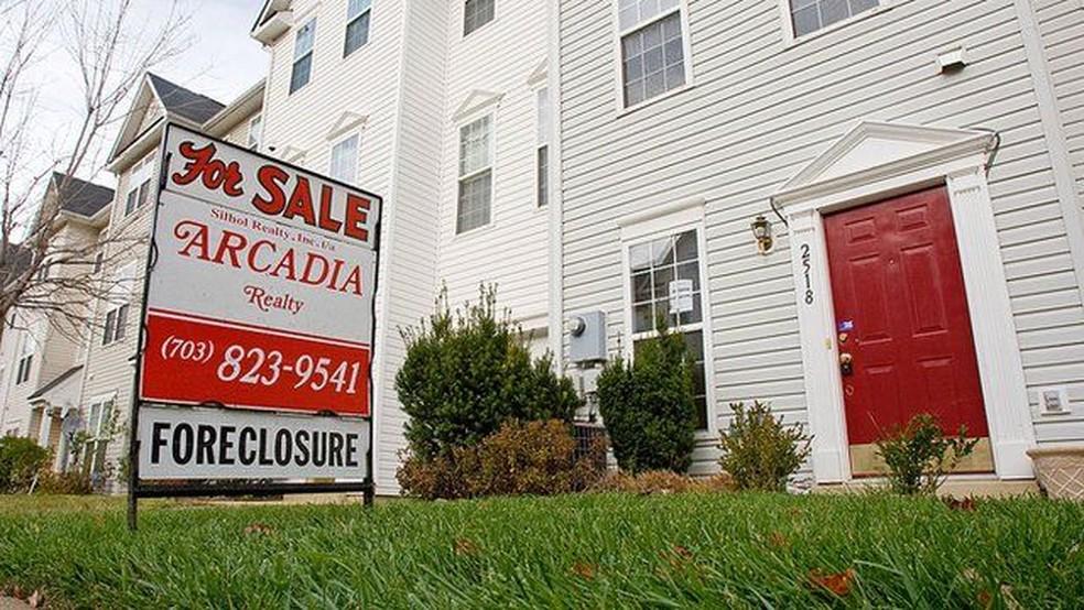 Em 2007, imóveis nos EUA eram oferecidos com desconto, depois de terem sido tomados de proprietários devedores — Foto: Paul J. Richards