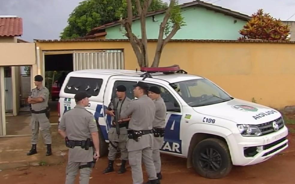 PM disse que tentou negociar autor de sequestro, mas não tece sucesso e atirou quando teve oportunidade — Foto: Reprodução/TV Anhanguera