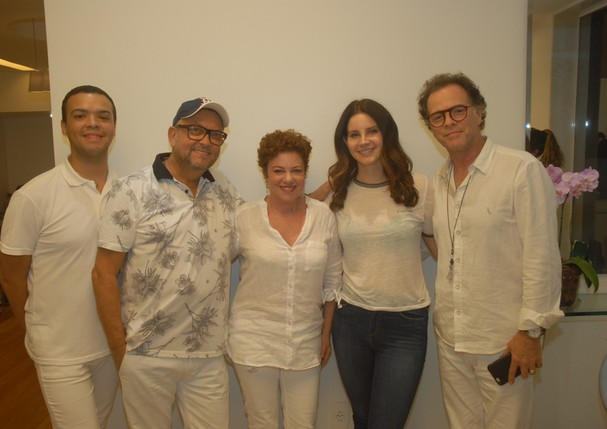 Lana com Branca Di Lorenzo, hairstylist, Norman Elmer e Junior Xavier (Foto: Eduardo Costa)