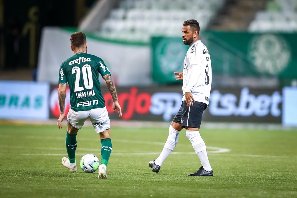 Maicon deu toque de qualidade ao meio-campo do Grêmio contra o Palmeiras — Foto: Lucas Uebel / Grêmio FBPA