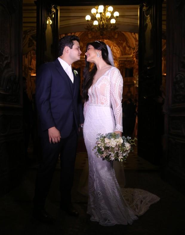 Os noivos, Matheus e Paula (Foto: Wallace Barbosa e Anderson Borde/AgNews)