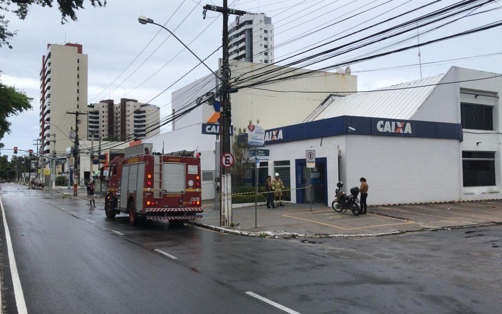Incêndio é registrado em agência bancária da Zona Sul de Aracaju