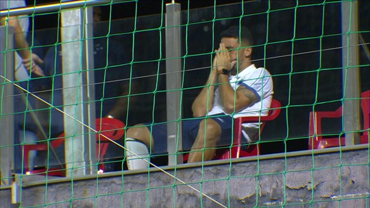 Dores na panturrilha direita tiram Edilson da escalação do Cruzeiro contra a Chapecoense