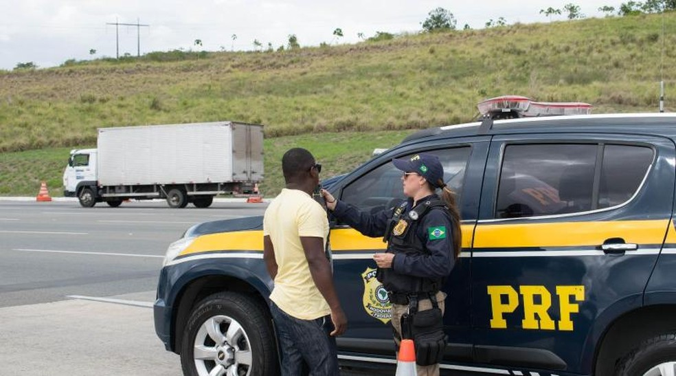 Operação da Polícia Rodoviária Federal em estrada da Bahia, em imagem de arquivo — Foto: Divulgação/PRF