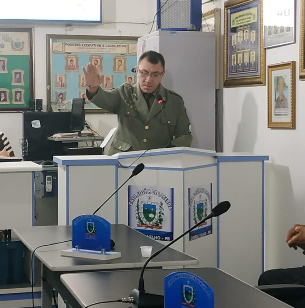 Bernardino, que é policial militar, tomou posse como vereador após ter apenas sete votos na eleição de 2016 — Foto: Eduarda Costa/Câmara de Vereadores de Curral Velho