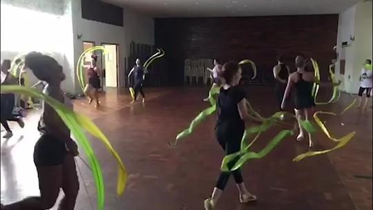 Ex-atletas levam a ginástica rítmica ao Carnaval no desfile do Império Serrano