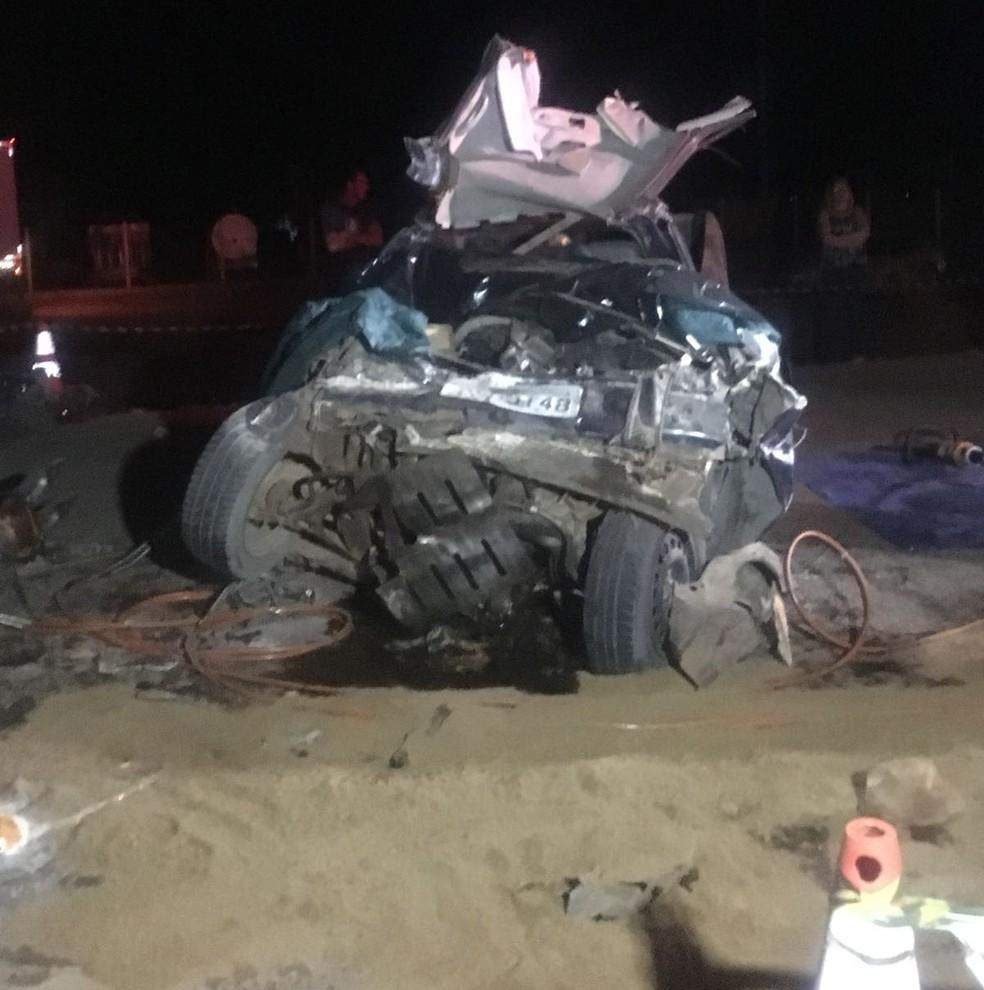Casal morreu em acidente entre carro e ônibus com 28 universitários na BR-163 (Foto: Divulgação)