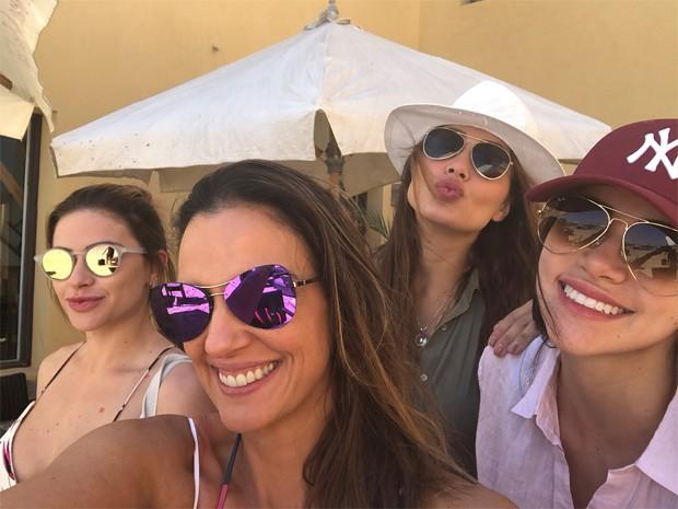 Jaque Ciocci, Luciana Cardoso, Renata Longaray e Daiane de Paula passaram pelo Mar Vermelho (Foto: Reprodução / nstagram)