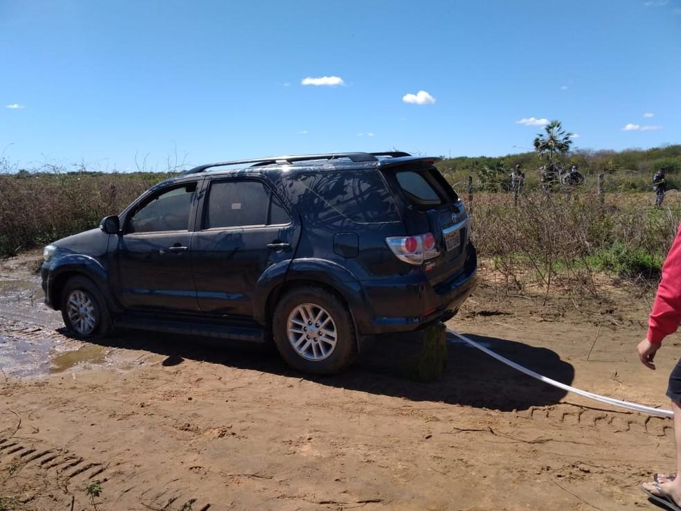 No Piauí, empresário é encontrado morto dentro de carro em barragem