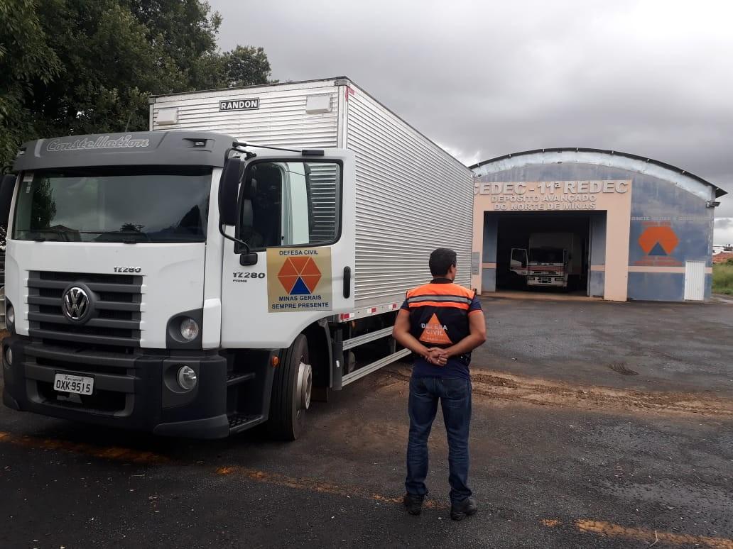 Defesa Civil estadual doa cestas básicas para 7 mil famílias em MG