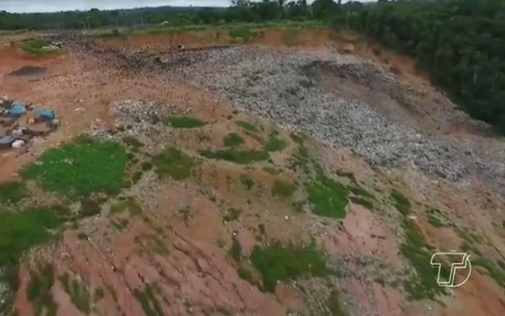 -  Por dia são depositadas ao menos 152 toneladas de lixo no aterro em Perema  Foto: Reprodução/TV Tapajós