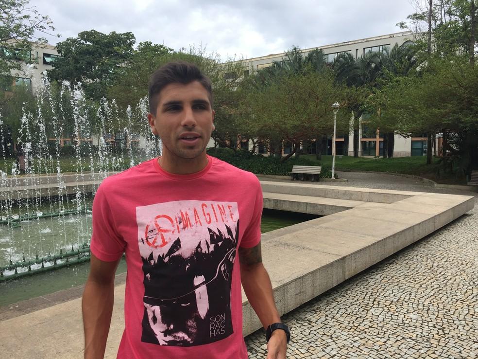 Lucas Mugni fala da passagem pelo Flamengo — Foto: Fred Gomes/GloboEsporte.com