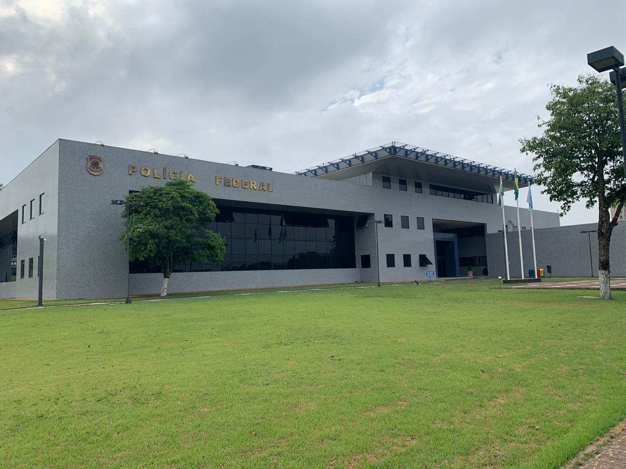PF cumpre 13 mandados de busca e apreensão após celulares apreendidos serem furtados da Receita Federal, em Foz do Iguaçu