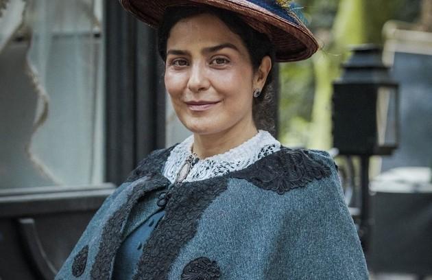 Letícia Sabatella interpreta a imperatriz Teresa Cristina, que se empenha em manter a monarquia inabalada, mesmo que para isso deixe de lado sua própria felicidade (Foto: TV Globo)