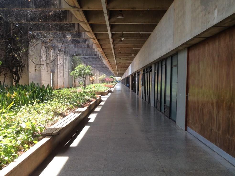 Corredor do ICC Norte, UnB (Foto: Bianca Marinho/G1)