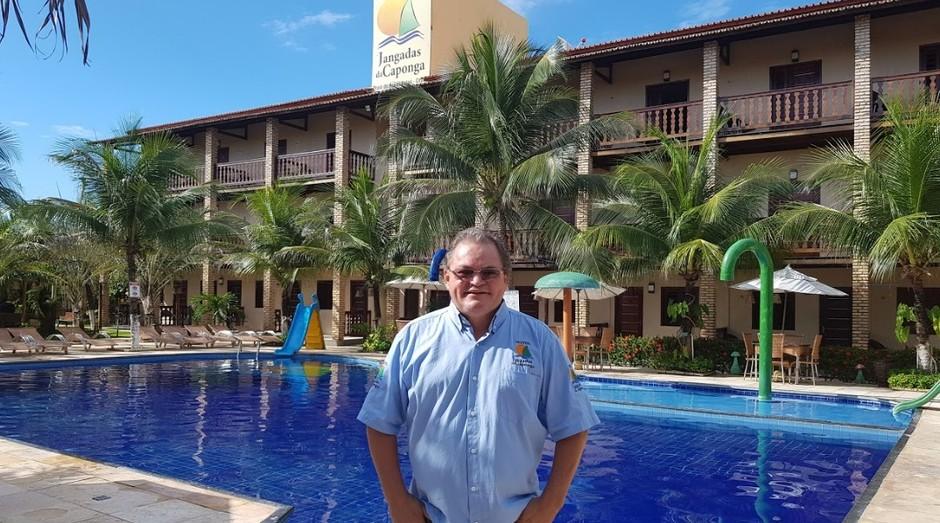 José Mamede Rebouças de Oliveira, empreendedor cearense que faz sucesso com hotel e restaurante no litoral (Foto: Lorrane Freitas)