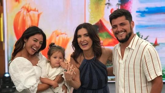 Madá, filha de Yanna Lavigne e Bruno Gissoni, rouba a cena no 'Encontro'