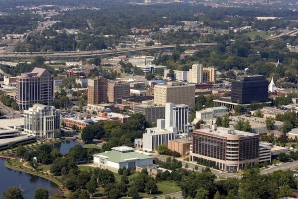"""""""Por mais moderna que seja a cidade de Huntsville, ela fica no 'Bible Belt' (o 'cinturão da Bíblia') Adultério? Não pode!"""" — Foto: City of Huntsville/BBC"""