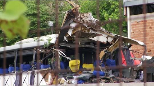 Acidente com ônibus de turismo deixa 7 mortos na BR-116 em MG