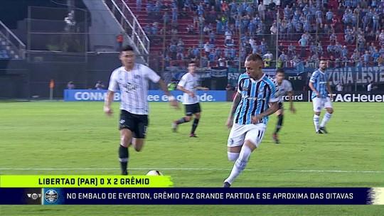 """Grêmio retoma """"alto nível"""" com vitória contundente e se aproxima de promessa de Renato"""