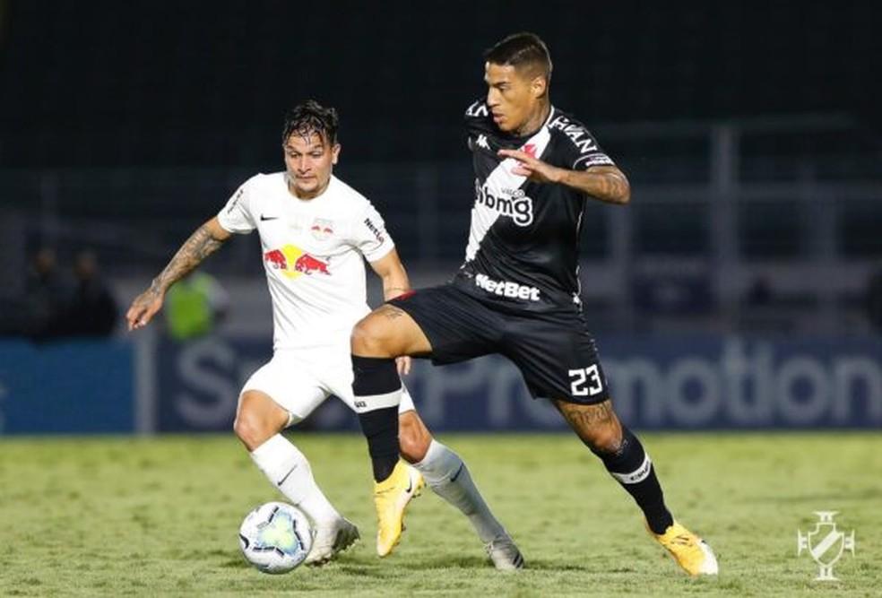 Carlinhos entrou bem na derrota do Vasco para o Bragantino — Foto: Rafael Ribeiro/Vasco