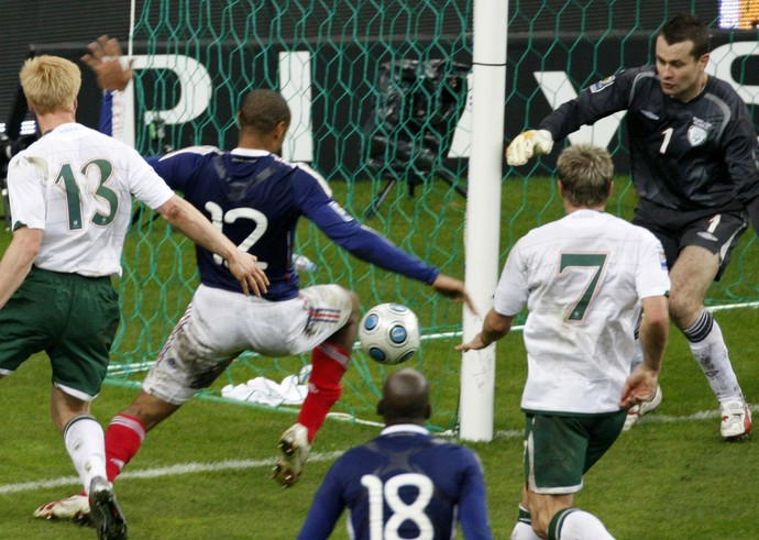 Thierry Henry França x Irlanda 2009 (Foto: AP)