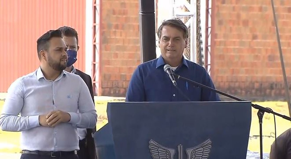 Presidente Jair Bolsonaro inaugurou estação radar da FAB na manhã desta terça-feira (18), em Corumbá (MS) — Foto: Reprodução/Facebook