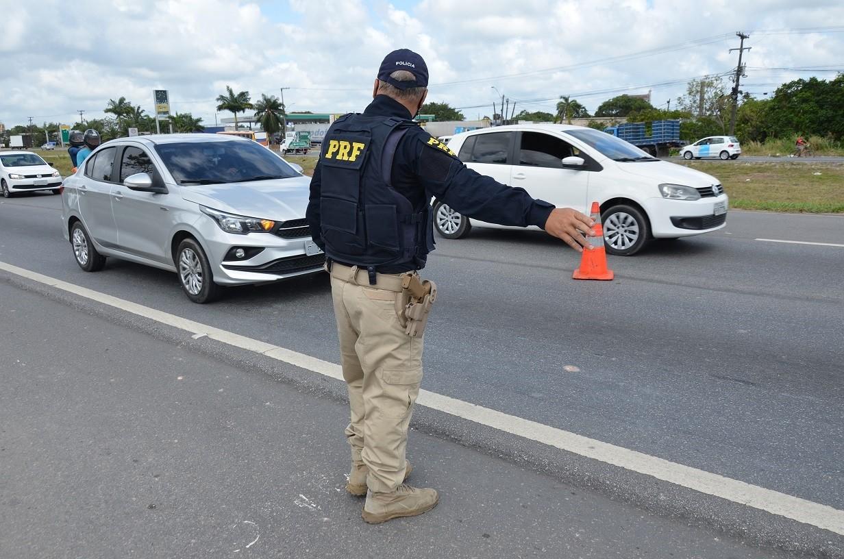 Estradas federais que cortam PE têm 56 acidentes, dez mortos e 38 feridos no feriadão de Finados