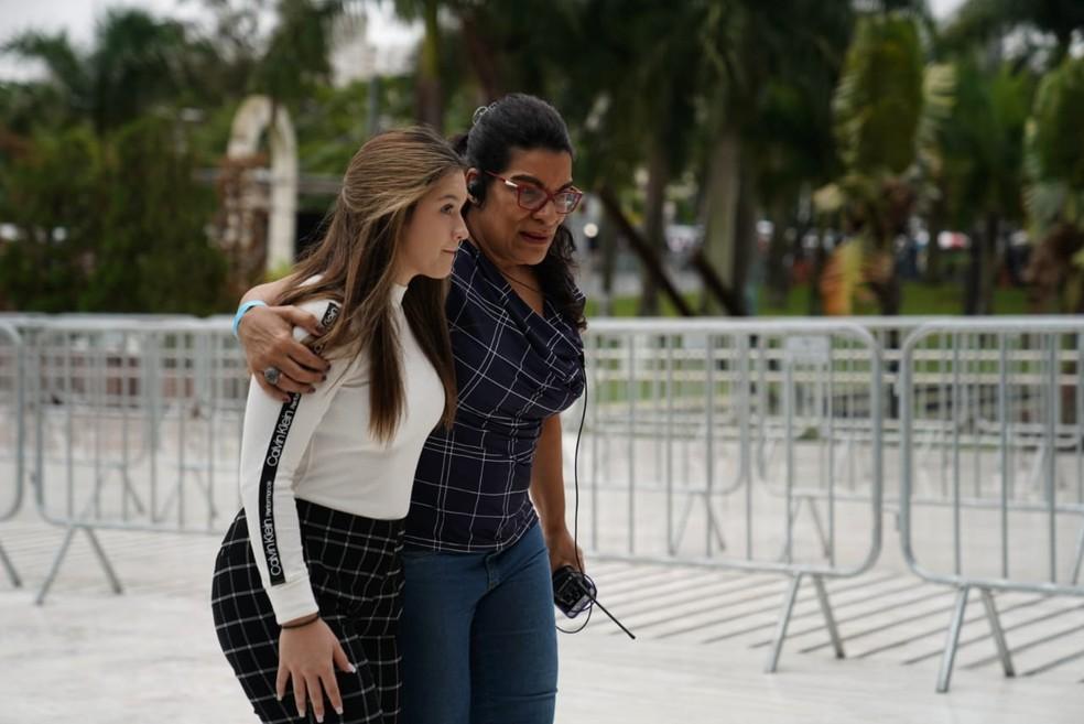 Marina Liberato, de 15 anos, uma das filhas gêmeas de Gugu chega a Alesp para o velório do pai ? Foto: Marcelo Brandt/G1