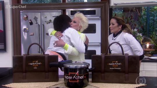 Fofão deixa o 'Super Chef' depois de enfrentar Renata Dominguez na Panela de Pressão
