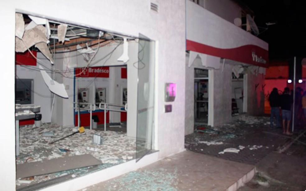 Banco foi explodido em Monte Santo, na Bahia (Foto: MonteSanto.net)