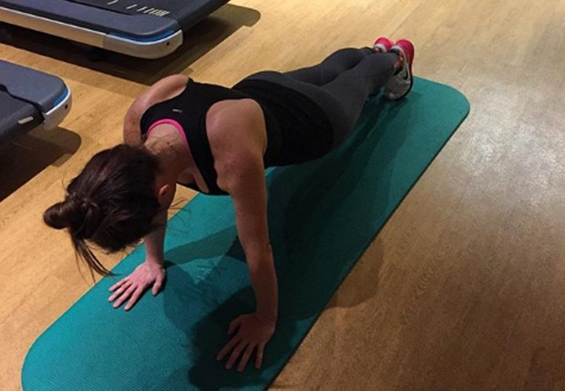 Ludwika Paleta faz flexões diariamente (Foto: Reprodução/Instagram)