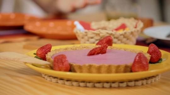 Torta gelada de frutas vermelhas: receita da Bela Gil