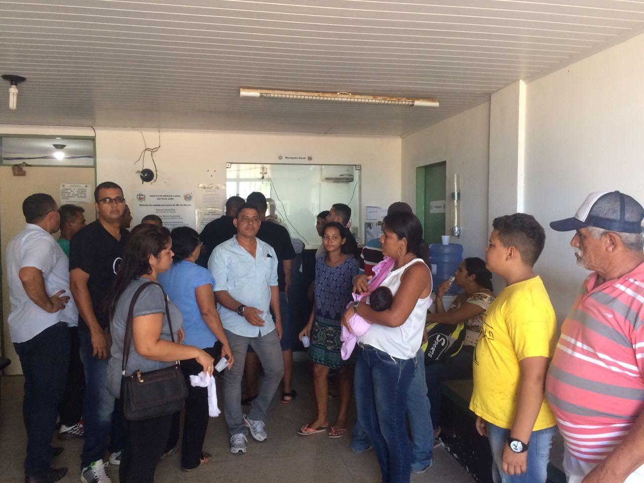 Atraso na liberação de corpos no IML de Maceió revolta familiares