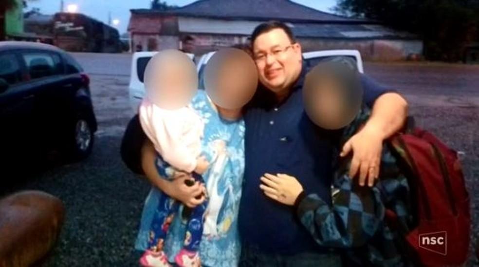 Padre foi condenado por abuso de dois adolescentes  (Foto: Reprodução/ NSC TV)