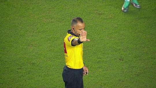 VAR é utilizado pela primeira vez num torneio nacional, em Santos x Cruzeiro; veja o vídeo
