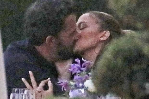 jennifer-lopez-ben-affleck-beijos-kiss.j
