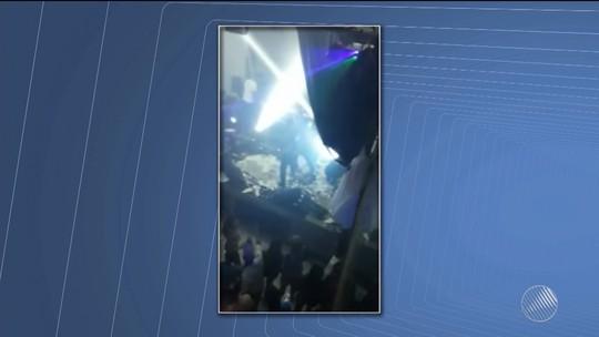 Teto de gesso desaba em show de Neto LX na BA logo após cantor deixar palco; dançarinos se ferem