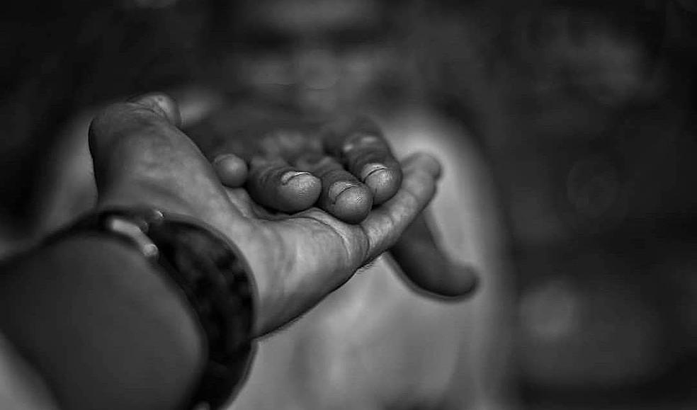 Nas visitas, fotógrafo busca conhecer história de feirantes e acaba criando relações de amizade — Foto: Renan Carlos/Arquivo Pessoal