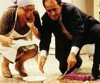Berta Loran  interpretou a empregada Frosina, que sofria com a avareza de Nonô (Ary Fontoura) em Amor com amor se paga (1984) | Reprodução